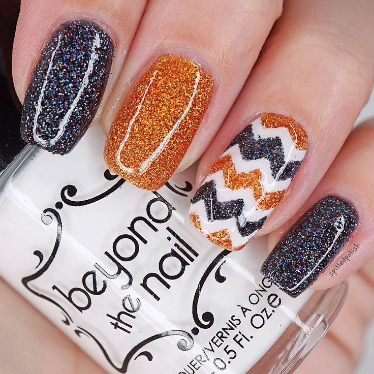 Glitter Chevron Nails #nailguides #nailart #chevrons