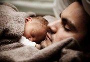 Contatto pelle a pelle: il punto di vista di Tommaso Montini, pediatra e papà