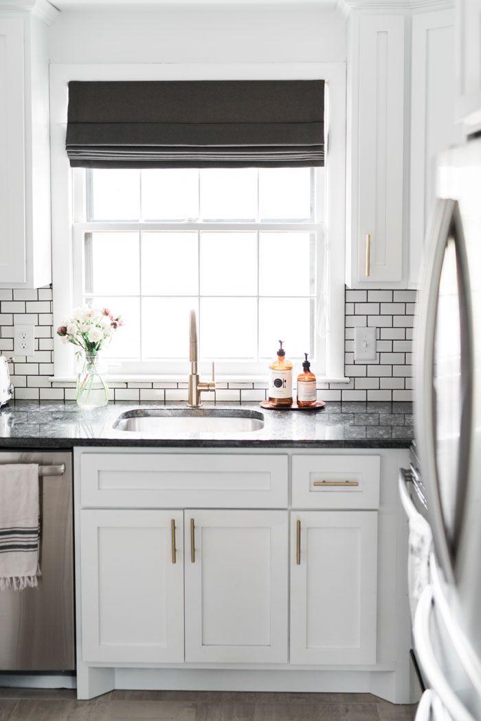 Best 20 small roman blinds ideas on pinterest roman shades kitchen window treatments and diy - Pinterest kitchen window treatments ...