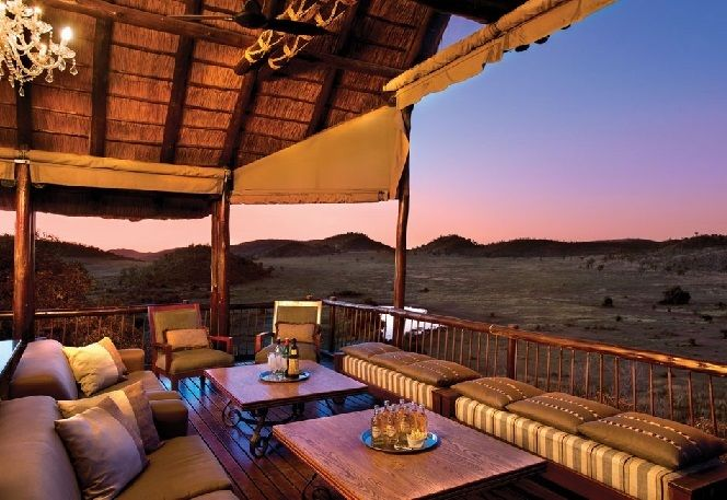 In the malariafree Pilanesberg National Park, Tshukudu Bush Lodge offers amazing accommodation in the African bush.