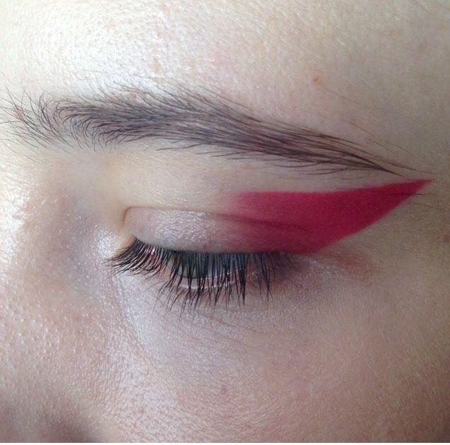 iona the loner. — dentureteeth:   eyes by fka twigs' makeup artist,...