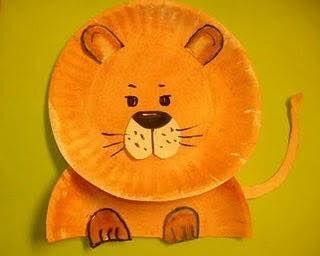 Leeuw van kartonnen bordje