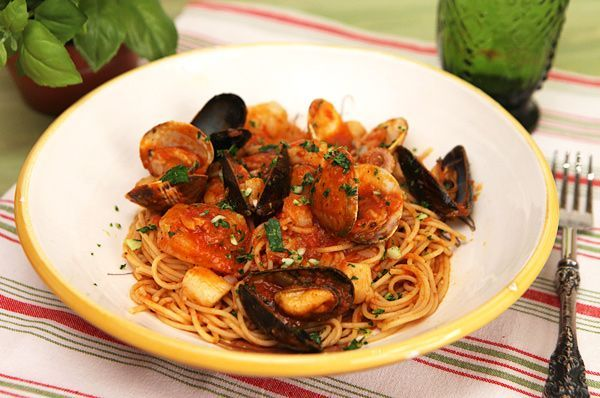 Italian Seafood Pasta with Mussels and Calamari [recipe ...  |Authentic Italian Seafood Pasta Recipes