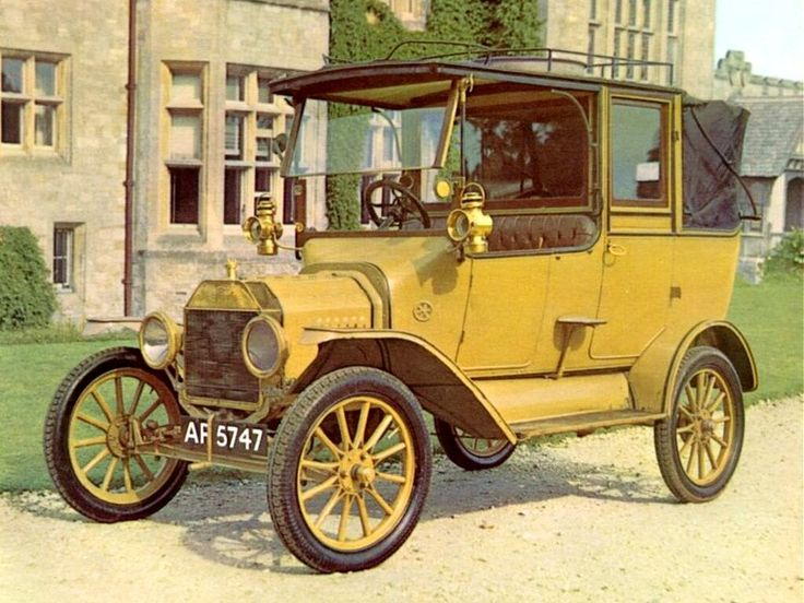On December 10, 1915, Ford Motor Company produced its one millionth car.