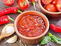 Salsa al peperoncino, la ricetta da gustare con la pasta o le bruschette