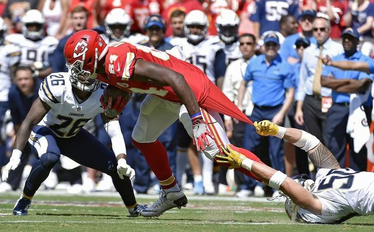 Kansas City Chiefs tight end Demetrius Harris was slowed down by San Diego…