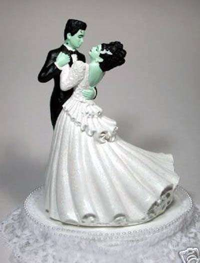 16 Unorthodox Cake Toppers - From Killer Sci-Fi Wedding Cakes to Offbeat Wedding Cake Toppers (CLUSTER)