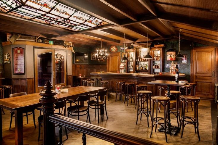 1000 images about english pub interior engels caf for Interieur in english