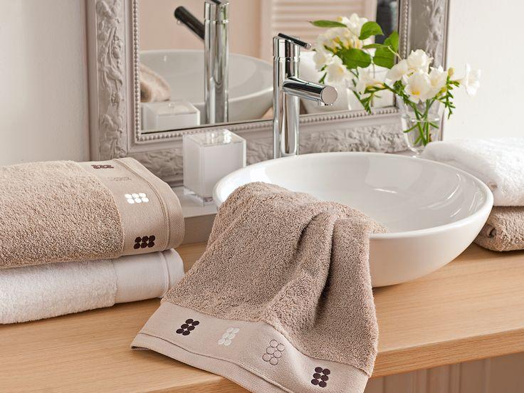 Linge de bain - Drap de bain moelleux DRAGEES AU CARRE BAIN en pur coton peigné. Sable www.blanc-cerise.com