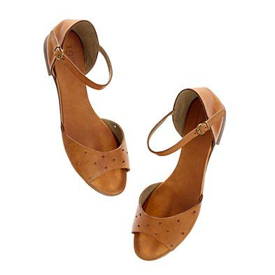 holepunch flat sandals