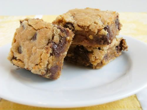 Peanut Butter Chocolate Chip Bars by Bake at 350