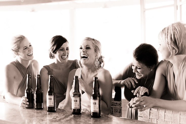 Gotta have the candid wedding party photos like this :)