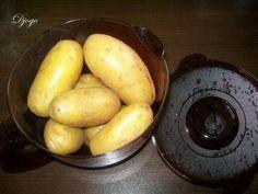 Das perfekte Kartoffeln kochen in der Mikrowelle-Rezept mit einfacher Schritt-für-Schritt-Anleitung: Kartoffeln waschen und tropfnass in die Microplus…