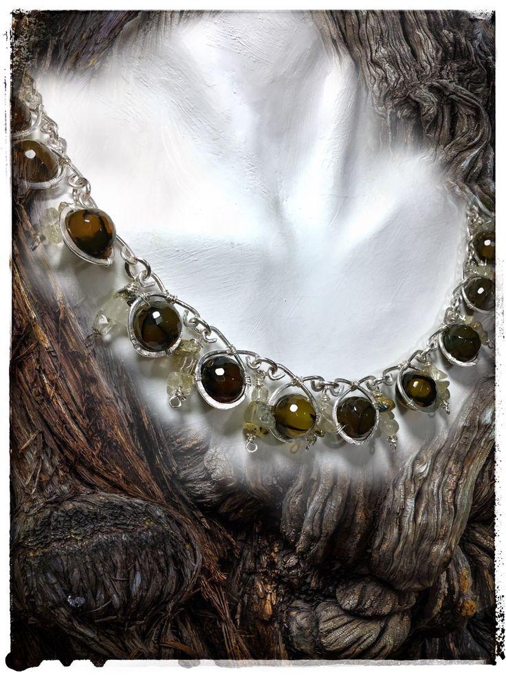 Collana fatta a mano in filo di rame argentato e perle di agata drago Miriam.turoldo@gmail.com https://www.facebook.com/miriam.turoldo.gioiellifantasy Wire wrapping