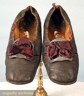 Augusta Auctions, March/April 2005 Vintage Clothing & Textile Auction, Lot 512: Gentleman's Shoes, C. 1780