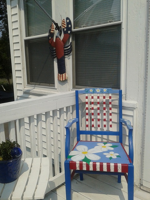 Painted chair   Red White Blue and daisys10 best Collaged Painted Furniture images on Pinterest   Painted  . Red White And Blue Painted Furniture. Home Design Ideas