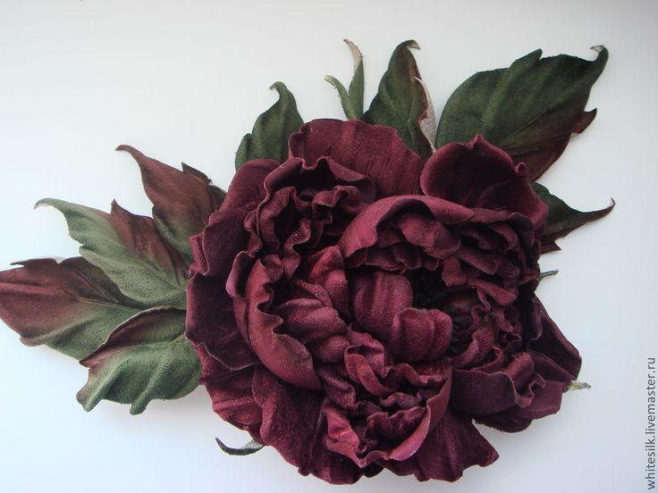 Броши ручной работы. Ярмарка Мастеров - ручная работа Роза бархатная. Корсажная роза брошь винного цвета. Handmade.