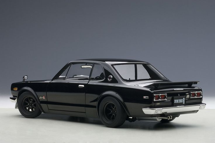 Nissan Skyline GT-R KPGC10 | 1:18 Scale Diecast Model Car by Autoart | Rear Quarter