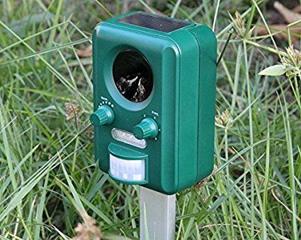 2016 Nr.1 BestSeller Weatherproof Solar Powered & ReChargeable Battery Operated UltraSonic Cat, Fox, Pest Repeller - Ultrasound Animal Deterrent, Repellent, Scarer & Chaser Sonic - Suitable for Garden, Yard, Farm, Outdoor - FREE 25cm No Rust Aluminium Ground Spike & FREE BATTERIES INCLUDED