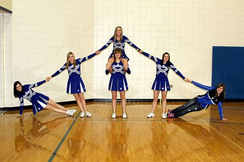 Simple Cheerleading Pyramids