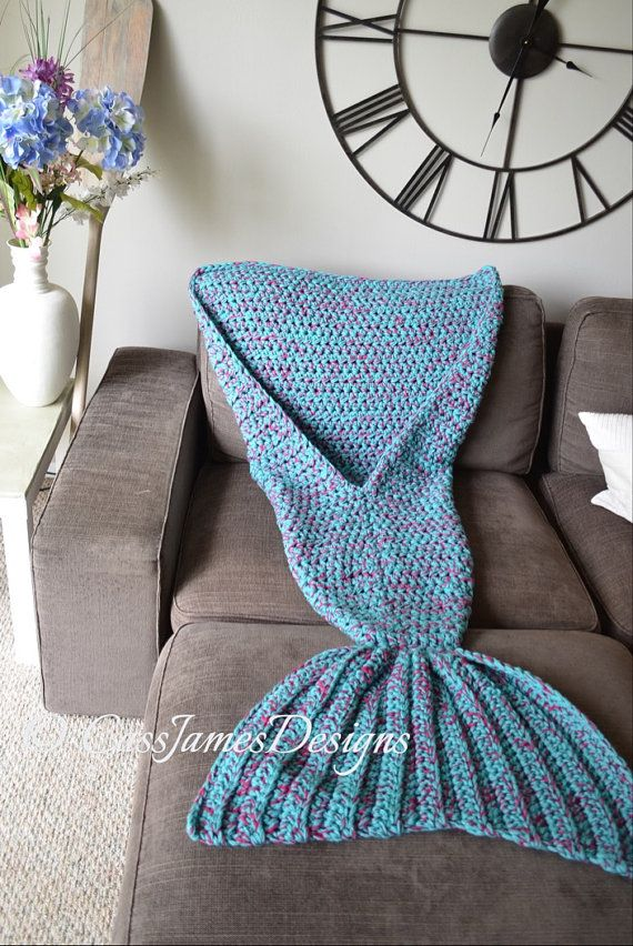 Mermaid Lap Blanket Hand Crochet Adult Size par CassJamesDesigns                                                                                                                                                                                 Plus