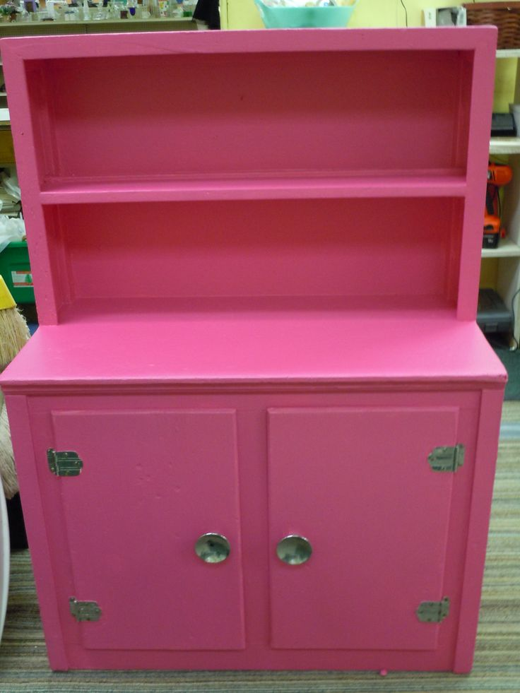 pink kitchen cabinet Painted by Earth Exchange! Hot pink, retro style
