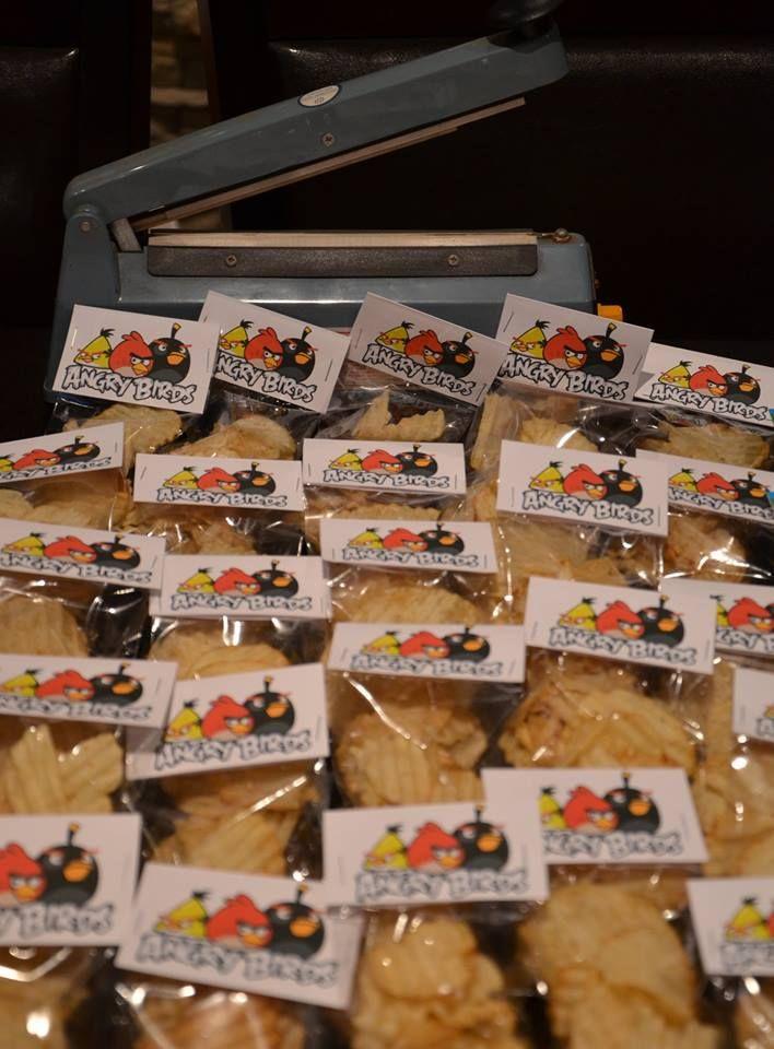 Bolsitas individuales de Papas fritas para evitar que las manitos que han jugado ingresen a la fuentes que se utilizan de contenedores de golosinas a granel. Selladas y etiquetadas