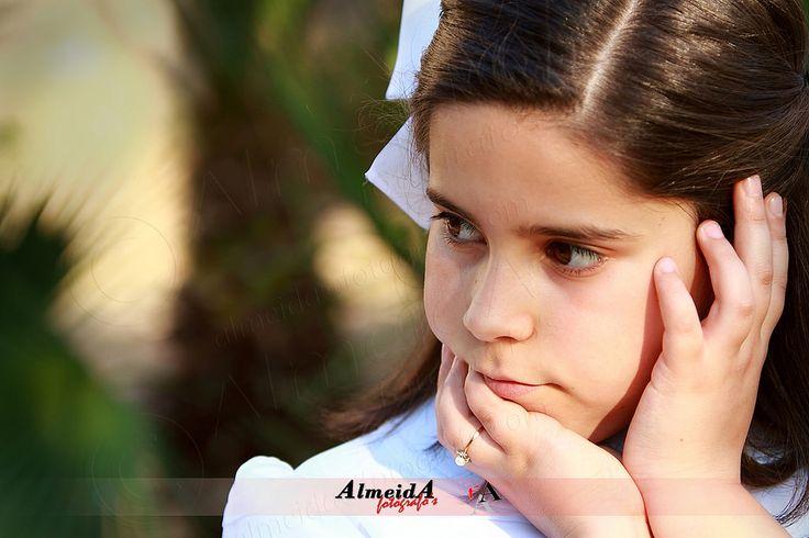 ESTHER  Ese momento de ilusión y de alegría, que merece todo el apoyo de sus padres,  para que el día de mañana,  ellos tengan un bello recuerdo en fotos, contando lo felices que son hoy.  ¿… Y aún crees que puedes dejarlo en manos del azar?  ¡NO LO HAGAS CON CUALQUIERA…!  PÍDENOS PRESUPUESTO SIN COMPROMISO  http://almeidafotografos.blogspot.com.es/ https://www.facebook.com/j.almeidaphotograper  © Copyright Almeida Fotógrafos Aviso Legal: Estas imágenes tienen todos los derechos reservados…