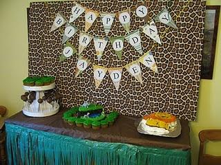 Animal theme display table.