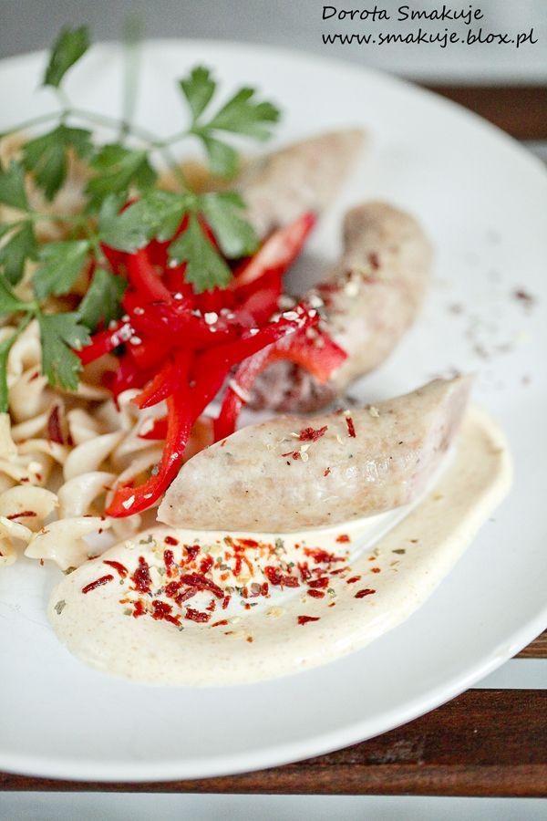 Biała kiełbasa  na parze z sosem curry