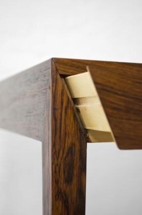 severin-hansen-desk-in-rosewood-by-haslev-at-studio-schalling