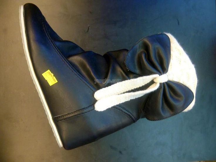Sepatu fashion remaja,di dalamnya dilapisi hak setinggi 3 cm,bahan kulit, yg brminat bs sms ke 089693812380