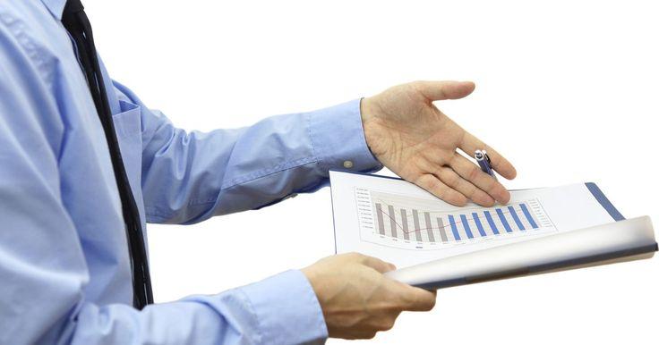 Cómo escribir y desarrollar un proyecto. La redacción y el desarrollo de proyectos pueden ser cruciales para conseguir las metas en una variedad de campos. En el mundo corporativo, escribir y desarrollar uno puede disparar el éxito de un plan de negocios y eventualmente hacer dinero para ti o tu compañía. En el ámbito académico, el redactar y desarrollar una propuesta puede ayudarte a ti ...