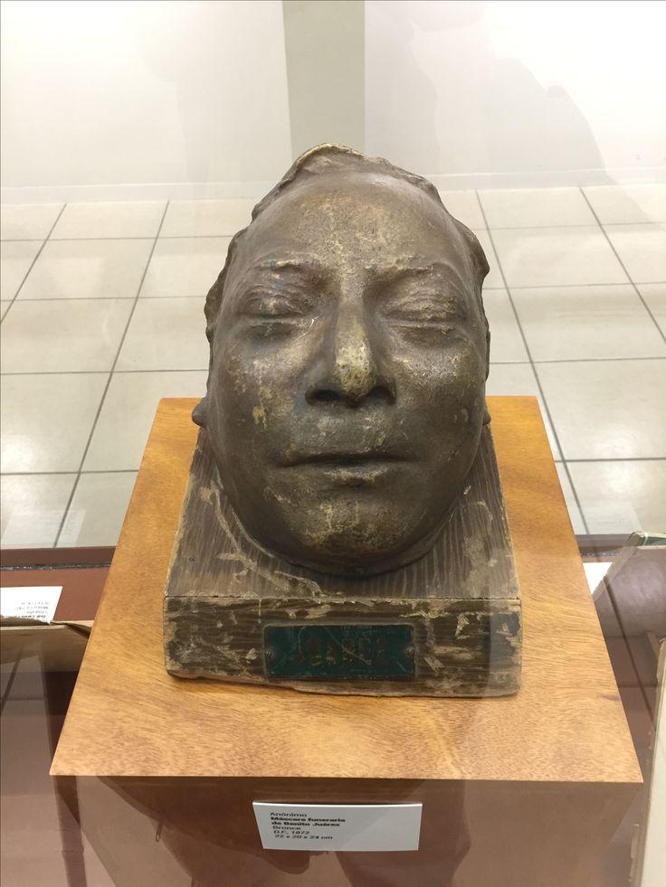 Benito Juárez. Rostro en bronce de su cadáver. Museo de la muerte. Aguascalientes.
