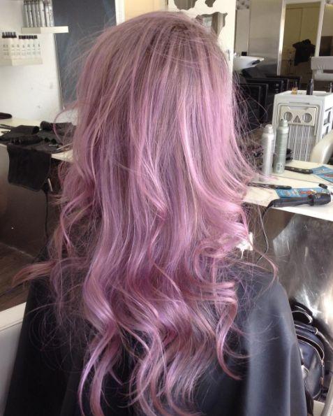 Lilac hair: i capelli lilla per un colore da fata -cosmopolitan.it