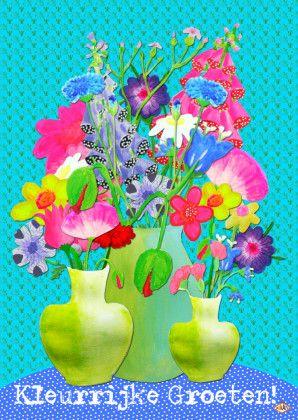 Ansichtkaart met kleurrijke groeten en drie vaasjes geschilderde bloemen op retro achtergrond. Tekst aan te passen.