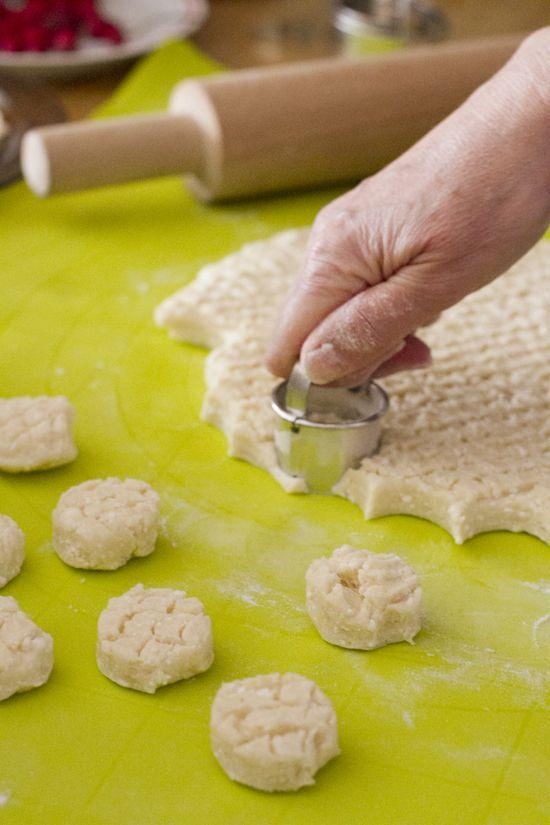 Túrós pogácsa: cottage cheese scones - The Hungarian Girl : The Hungarian Girl