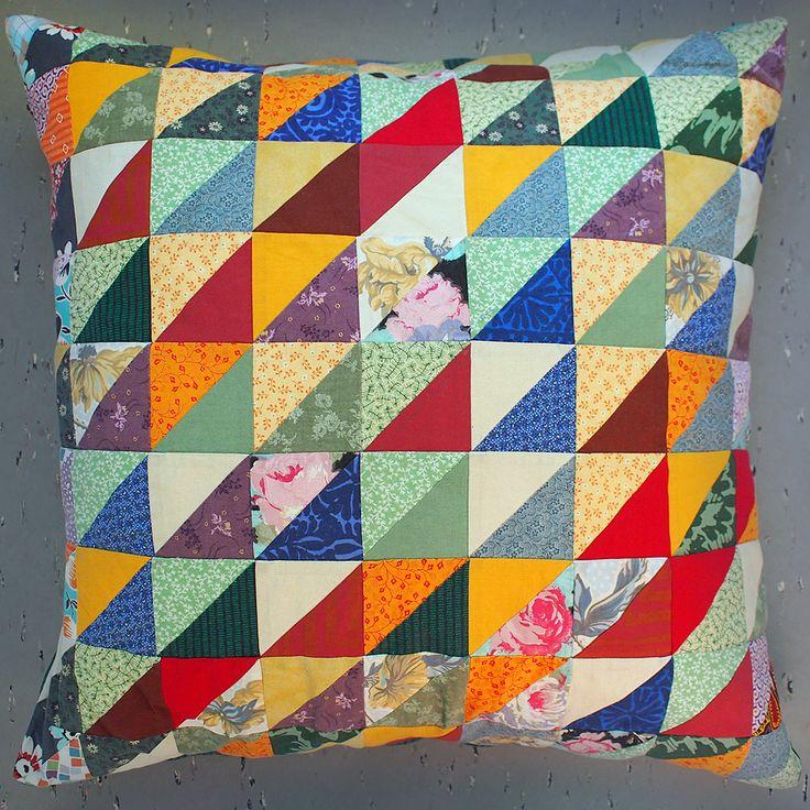 Quilt pillow, made by Päivi Puustinen.