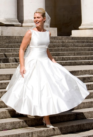 50's wedding dress, dramatic skirt, and square neck - I used this dress pattern for my engagement party dress!!
