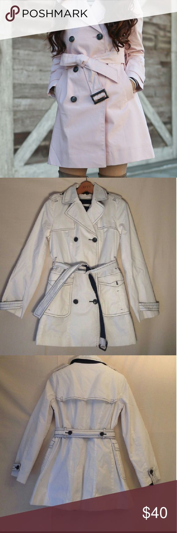 XMAS SALE 🎁EUC White Banana Republic trench coat! Perfect condition Banana Republic belted trench coat! Belt is removable. Also comes with removable quilted polyester filled inside! Adorable coat! Banana Republic Jackets & Coats Trench Coats