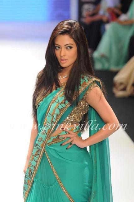 green sari
