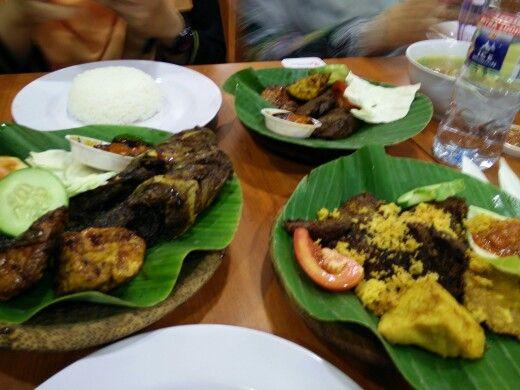 Dinner at Ayam Penyet President.