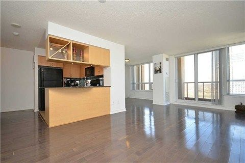 4090 Living Arts Dr, MLS # W3193281, Mississauga Condo For Sale | www.mymississaugahomes.com