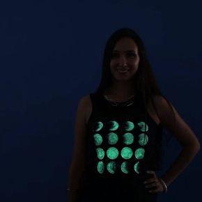 A t-shirt with glow in the dark print. #5minutecrafts #DIY #tshirt #glowinthedark