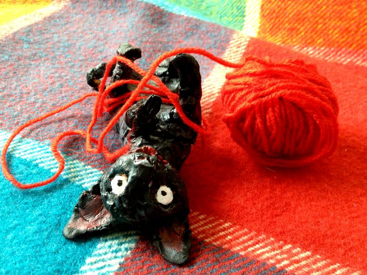 The Kitten called Thunder with yarn #illo52weeks #cornishrex #cat #thunderstormdancing