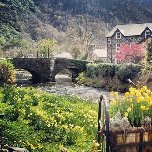 Beddgelert (English: Gelert's Grave), a picturesque village in Snowdonia, North Wales,UK
