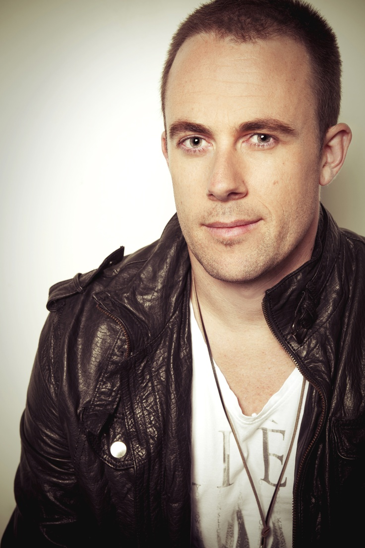 Casey Barnes  http://www.caseybarnes.com.au/  (As seen on Australian Idol 2009)