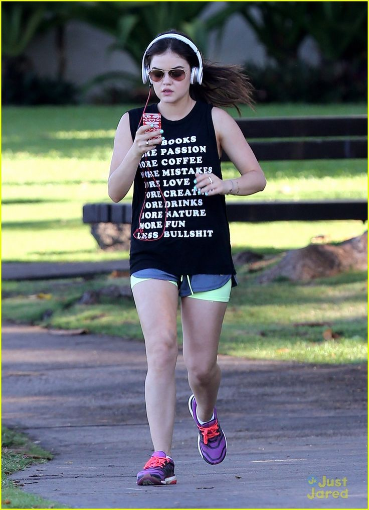 Lucy Hale: Running in Maui | lucy hale running maui 06 - Photo Gallery | Just Jared Jr.