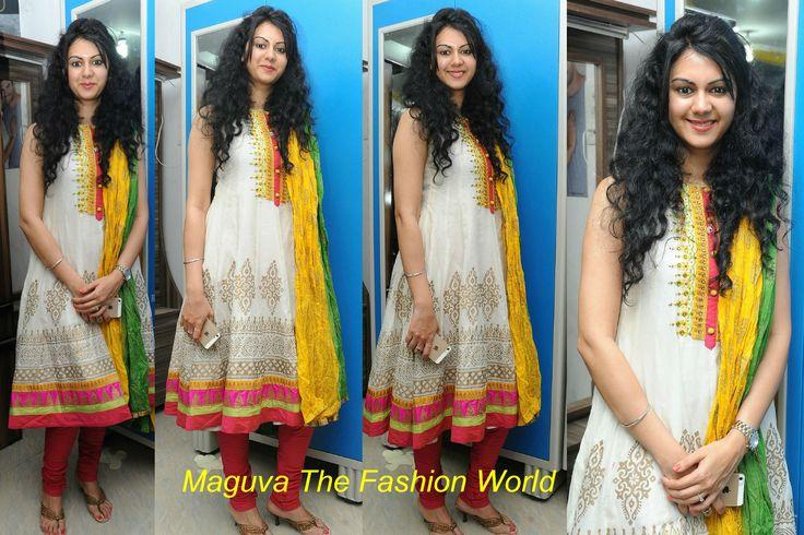 Kamna Jethmalani in Printed salwar in Tirumala furniture showroom launch