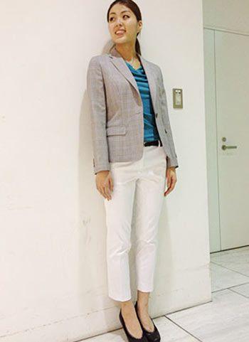 白いパンツスーツで春のきれいめコーデ♡40代アラフォー女性のパンツスーツのコーデ♪